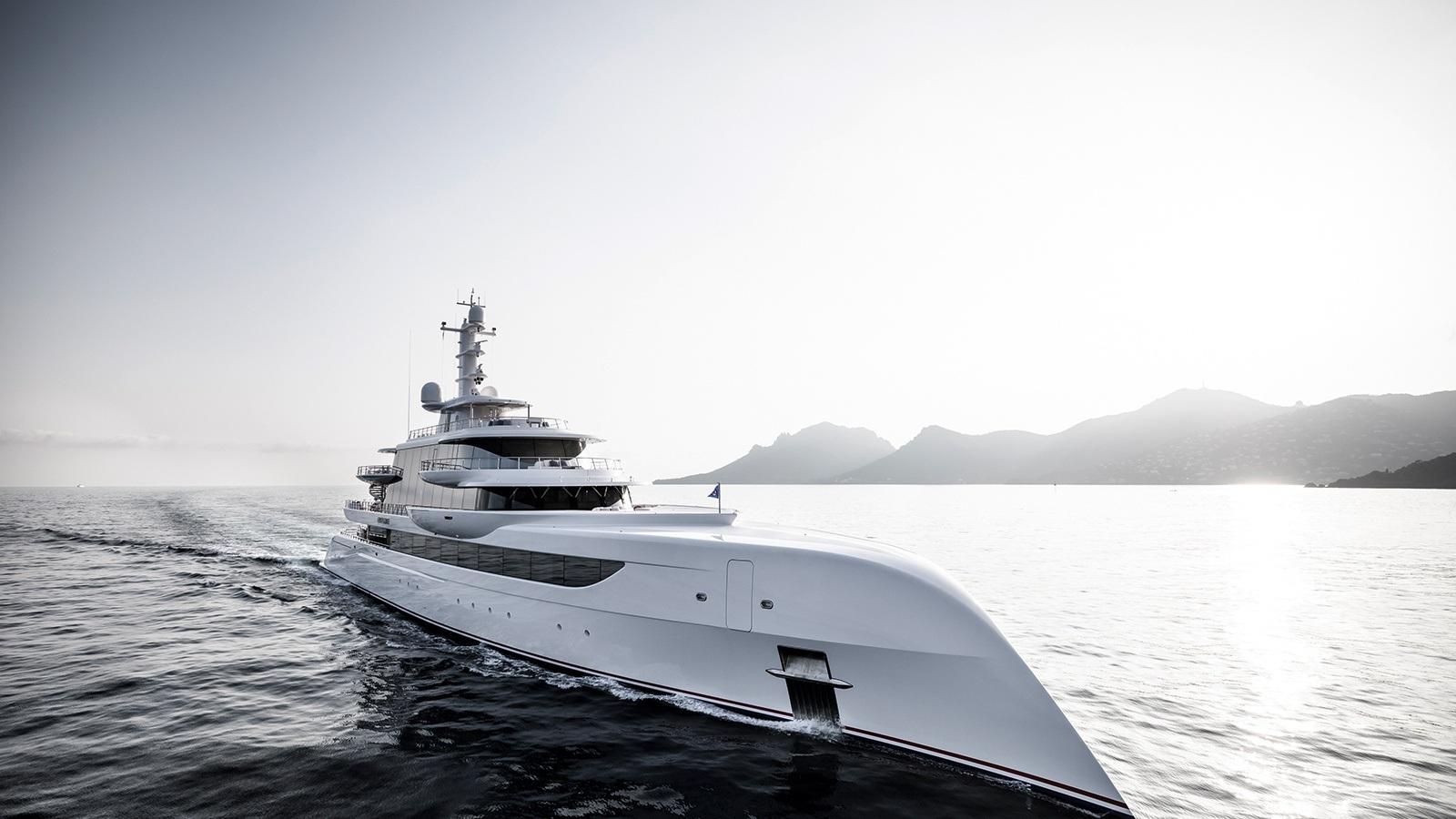 Dzt5DDPRKSChfp71QTbO_Excellence-superyacht-exterior-L-8-2240x1260.jpg