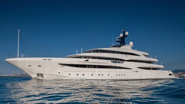 crn-cloud-9-yacht-3.jpg